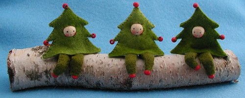 Drie kerstboomboefjes.